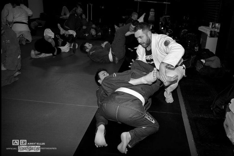 Dale Percival Teaching me Jiu Jitsu at the Made4TheCage Fight Academy
